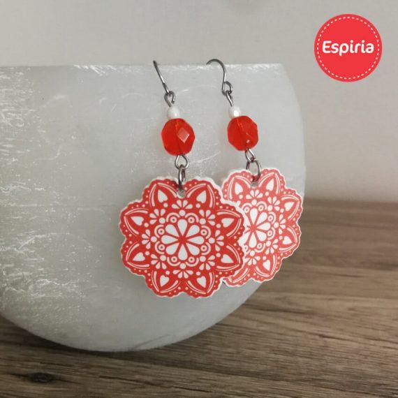Červené náušnice Mandala s korálkou